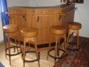 Bar mit 4 Hocker