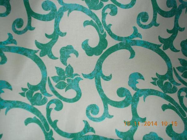 Baumwollstoff grüne Ornamente auf weiß