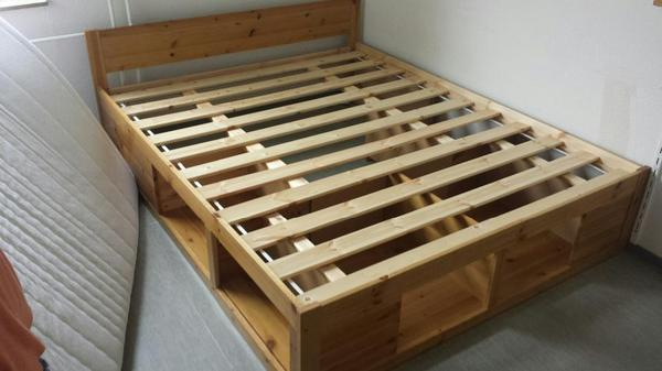bett mit matratze nur 7 monate alt massivholz in m nster betten kaufen und verkaufen ber. Black Bedroom Furniture Sets. Home Design Ideas