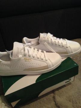 Damenbekleidung - Biete neue weiße Puma Schuhe