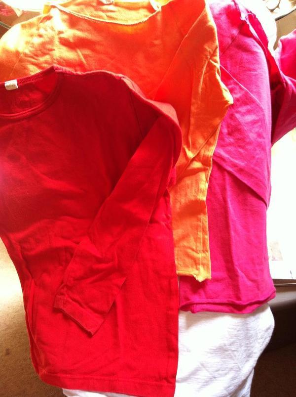 Bio-Mädchen-Kleidg/-Schuhe/-stiefel/-unterwä 1 - 11 neuwertig o nur wenige Male getr ohne GebrSpuren - München - Bio-Mädchen-Schuhe/-stiefel/-Kleidung/-unterwäsche usw. 1. - 11. Lj. v.a. von Hess natur, alles völlig neuwertig oder nur wenige Male getragen und ohne Gebrauchsspuren, weil Großeltern kauften viel zu viel: z. B. Sweatshirts und T-Shirts, ( - München