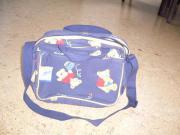 Blaue Wickeltasche mit
