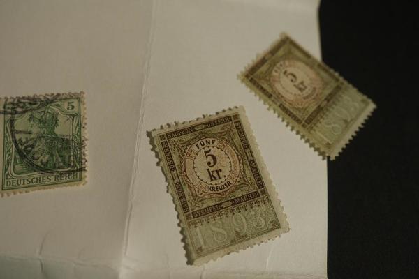 Briefmarkenalbum mit Briefmarken ab 1958