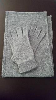 Damen Schal un passende Handschuhe