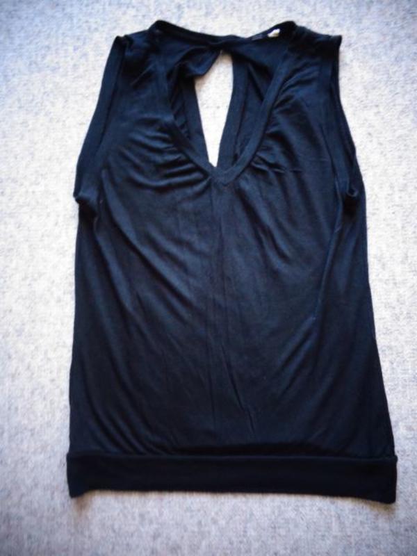 Damenbekleidung Shirt Top schwarz ca. Gr. 34/36 bzw. ca. Gr. XS/S Rückseite teilweise offen - Hamburg Eidelstedt - Shirt, Top, schwarz, ca. Gr. 34/36 bzw. ca. Gr. XS/S, Rückenseite teilweise offen, vorn V-Ausschnitt, leider kein Größen- und Materialschild mehr vorhanden, Gesamtlänge ca. 57 cm, 4,50 Euro, Versand ca. 3,00 Euro möglich, zeitnah - Hamburg Eidelstedt
