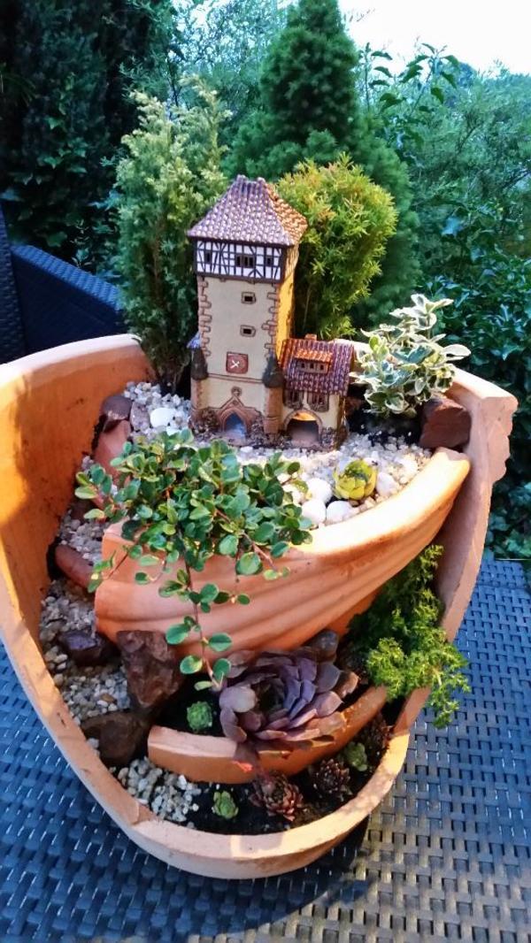 dekorative bepflanzung der hingucker in erlbach. Black Bedroom Furniture Sets. Home Design Ideas