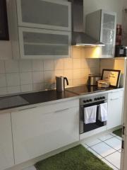 Einbauküchenzeile mit Elektrogeräten