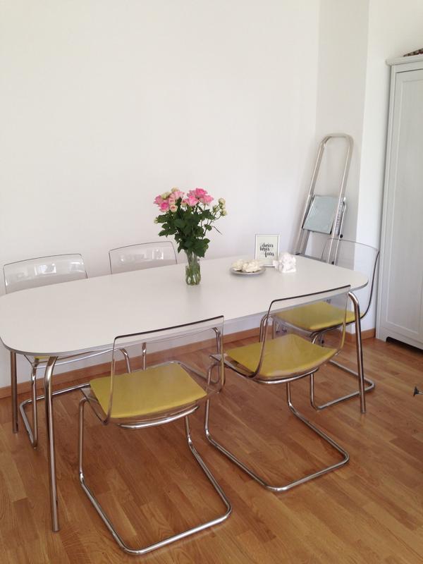 Esstisch weiß  Esstisch, weiß, Ikea, Tisch in München - IKEA-Möbel kaufen und ...