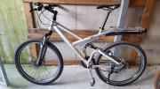 Fahrrad Full suspension