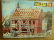 Faller 263 Zweifamilienhaus im Bau