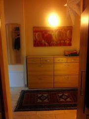 Garderobenmöbel in Birke