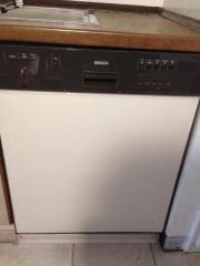 Gebrauchte Spülmaschine abzugeben
