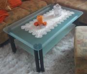 Glas Tisch muss