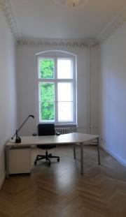 Heller Büroraum in