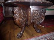 Historischer runder Tisch um 1900
