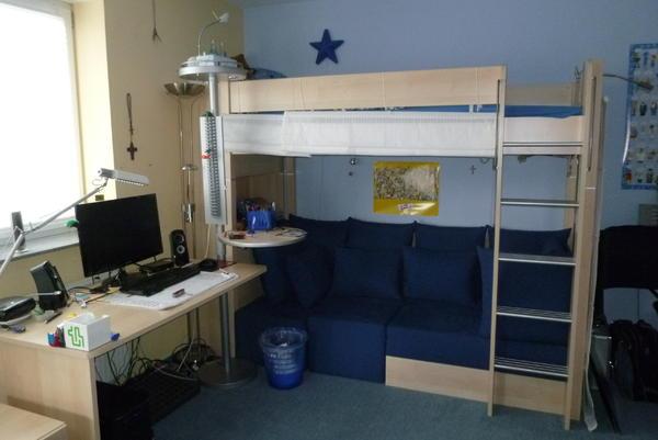 hochbett mit integriertem kleiderschrank hochbett wei. Black Bedroom Furniture Sets. Home Design Ideas