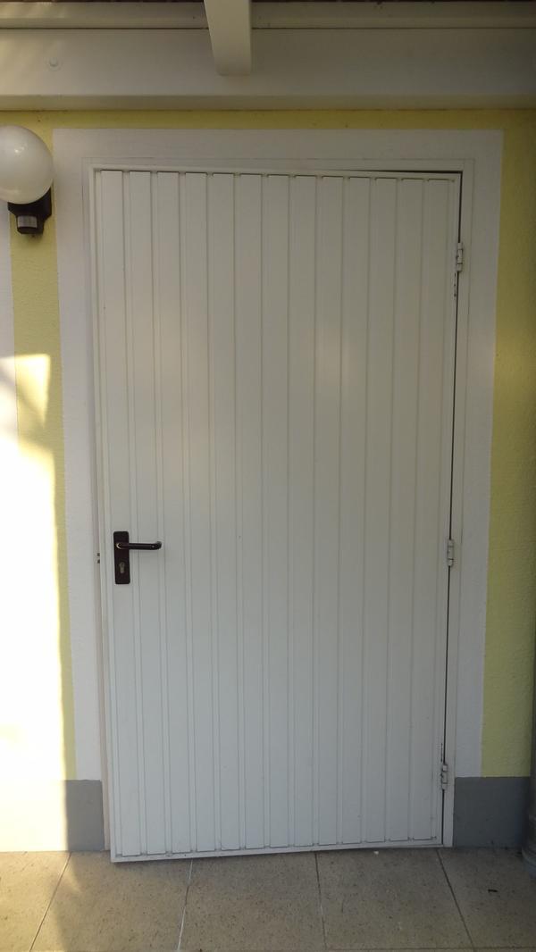 h rmann garagent r 1110 mm x 2160 mm in wei 902 din r au en in burghausen t ren zargen tore. Black Bedroom Furniture Sets. Home Design Ideas