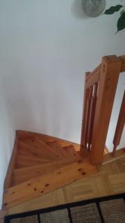 Holztreppe, Kiefer-massiv,