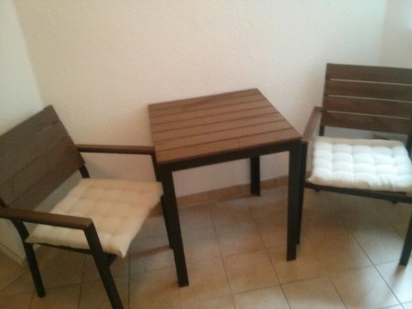 ikea falster tisch 2 st hlen in berlin ikea m bel kaufen. Black Bedroom Furniture Sets. Home Design Ideas