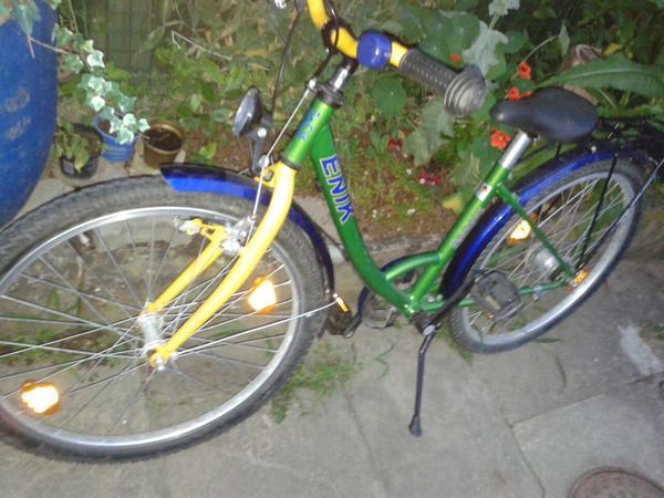 Jugend-Mädchen Fahrrad