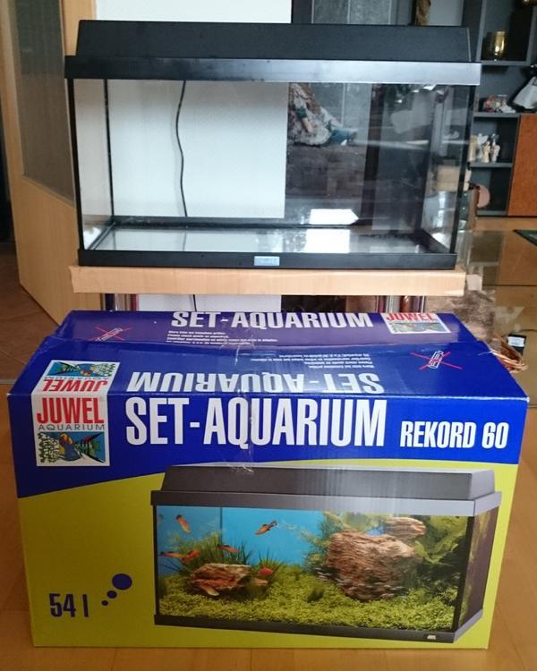 Aquarium tisch kleinanzeigen kaufen verkaufen bei for Aquarium komplettset
