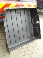 Kofferraum-Schutzwanne für 180er Mercedes Kombi