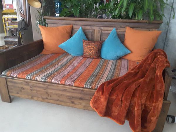 kuschel sofa tagesbett bett in h rbranz polster sessel couch kaufen und verkaufen ber. Black Bedroom Furniture Sets. Home Design Ideas