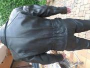 Lederjacke für Biker-Frauen