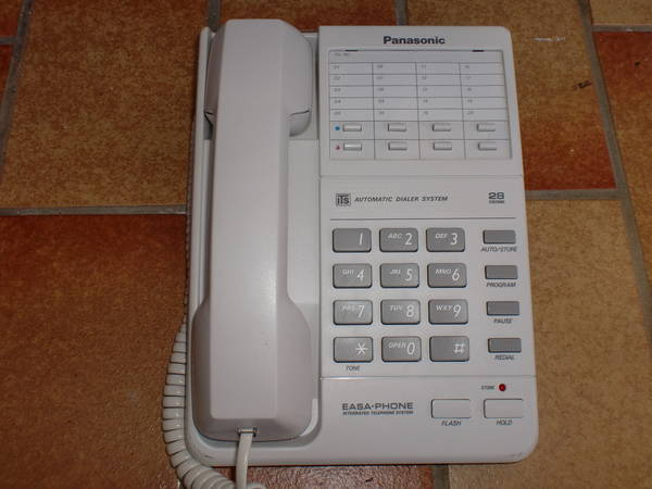 Mehrere Senioren-Tastentelefone AB mit Schnur
