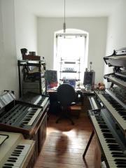 Mellotron, Rhodes, Jupiter,