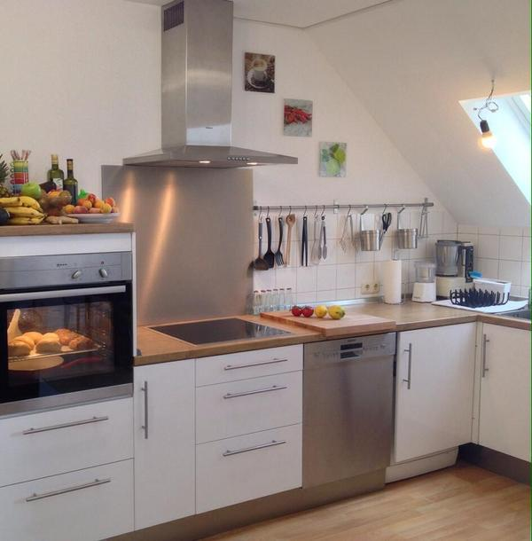 Moderne weiße Küche für Dachschrägen geeignet - zum Selbstabbau zu ... | {Moderne weiße küche 78}