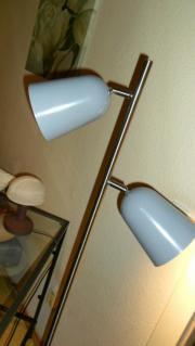Nagelneue Stehlampe mit 2 Strahlern