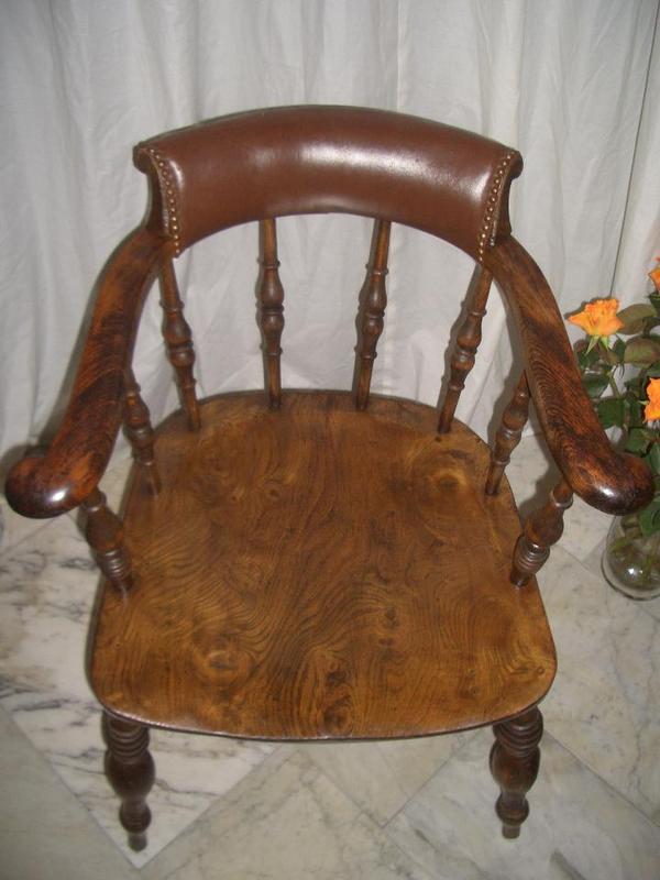 Original-Captain Chair dunkel mattglänzend poliert -
