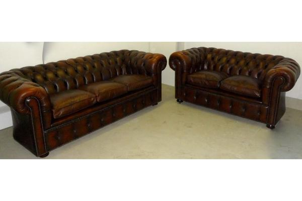 original englische chesterfield sofa garnitur in. Black Bedroom Furniture Sets. Home Design Ideas