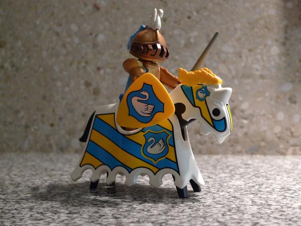PLAYMOBIL 3024 Goldener Ritter in München - Spielzeug: Lego ...