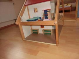 Puppenstube mit massiv Holz Möbeln: Kleinanzeigen aus Oberrot - Rubrik Holzspielzeug