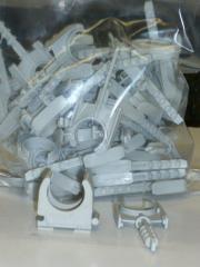 Rohrschellen PG16 mit angespritztem Dübel