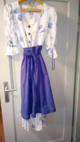 Damenbekleidung - Rosendirndl inklusiv Versand