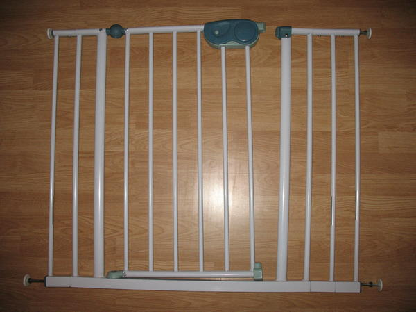 safety 1st treppenschutzgitter t rschutzgitter quick close mit 3 verl ngerungen 73 102cm in. Black Bedroom Furniture Sets. Home Design Ideas