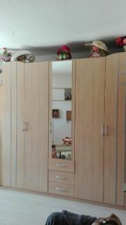 Schlafzimmer Bett Und Schrank In Neustadt