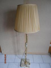 schöne Stehlampe