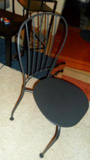 Schöner schmiedeeiserner Ikea-Stuhl