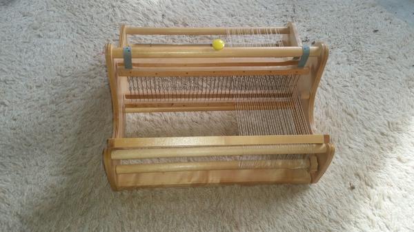 Schöner Webstuhl aus » Holzspielzeug