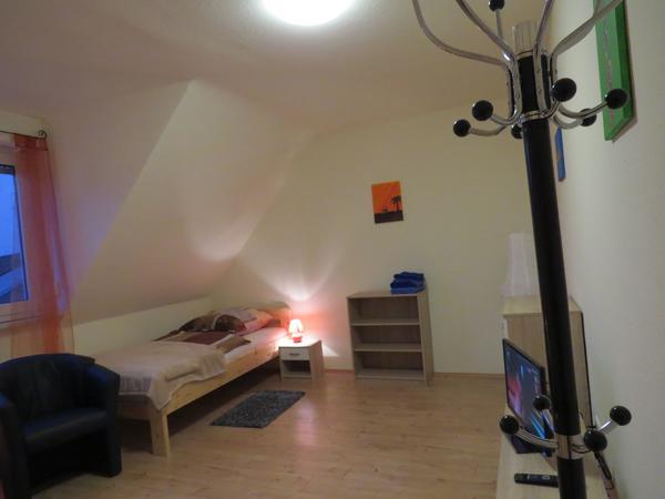 Schönes Zimmer In Sandhofen In Mannheim Vermietung Zimmer Möbliert