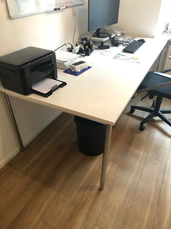 Schreibtisch zu verkaufen