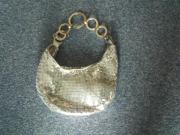 Silberne Handtasche