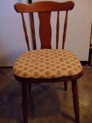 Stühle aus stabilem