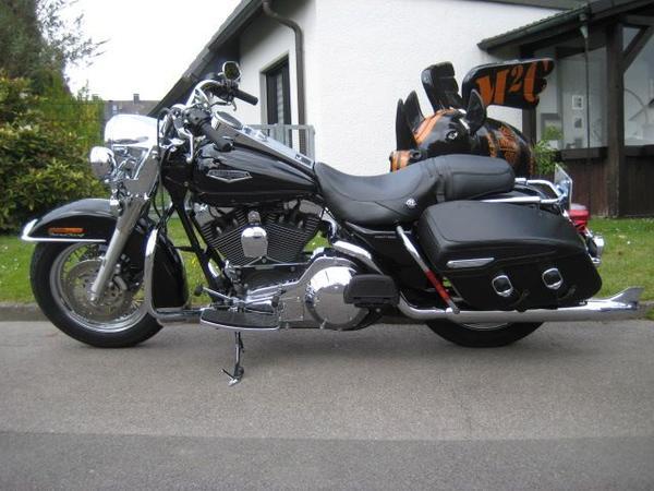 Suche alle Harley Davidson