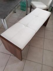 Tischgruppe: 4 Stühle