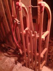 verkaufe Holzschlitten neuwertig mit Rückenlehne